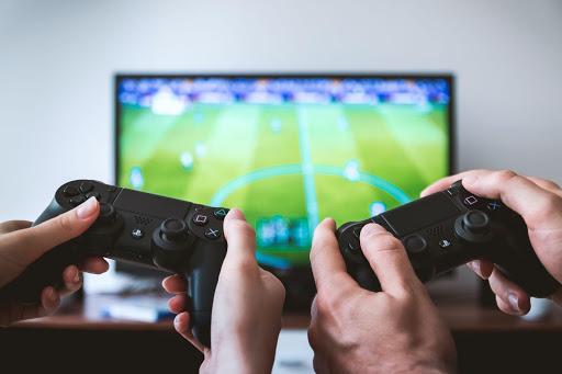 テレビゲーム2人プレイ