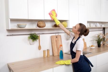 壁の拭き掃除
