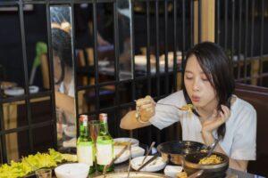 韓国料理イメージ女性